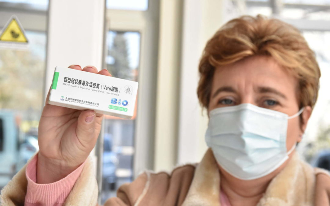 Eddig mintegy 890 ezer ember oltásához elegendő koronavírus elleni vakcina érkezett Magyarországra